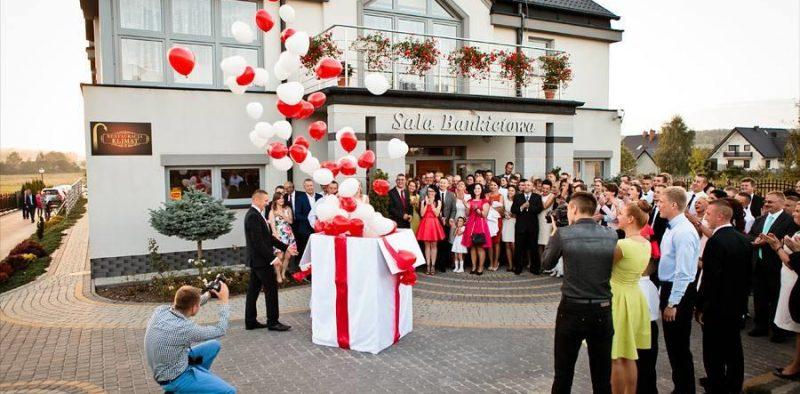 prezent balonowy na ślub balony na ślub niespodzianka dla pary młodej balony z helem kielce 1