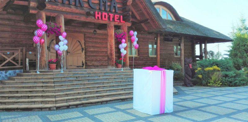 prezent balonowy na ślub balony na ślub niespodzianka dla pary młodej balony z helem kielce 24